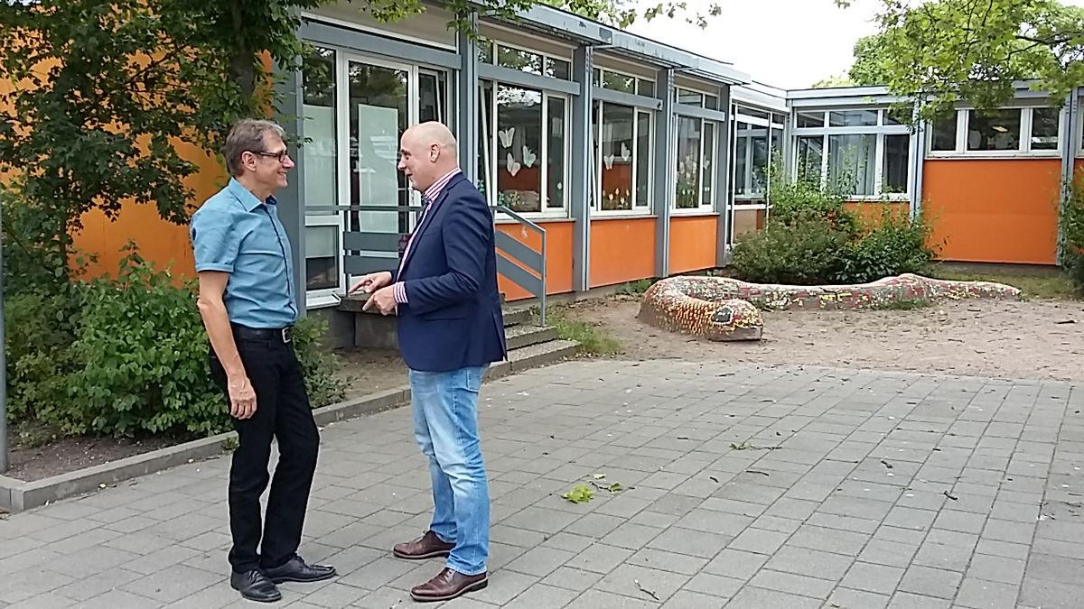Daniel Born MdL besucht Anne Frank Schule Daniel Born